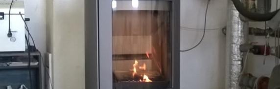 Room heaters burning solid fuels